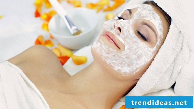 Quark mask against wrinkles with lemon juice