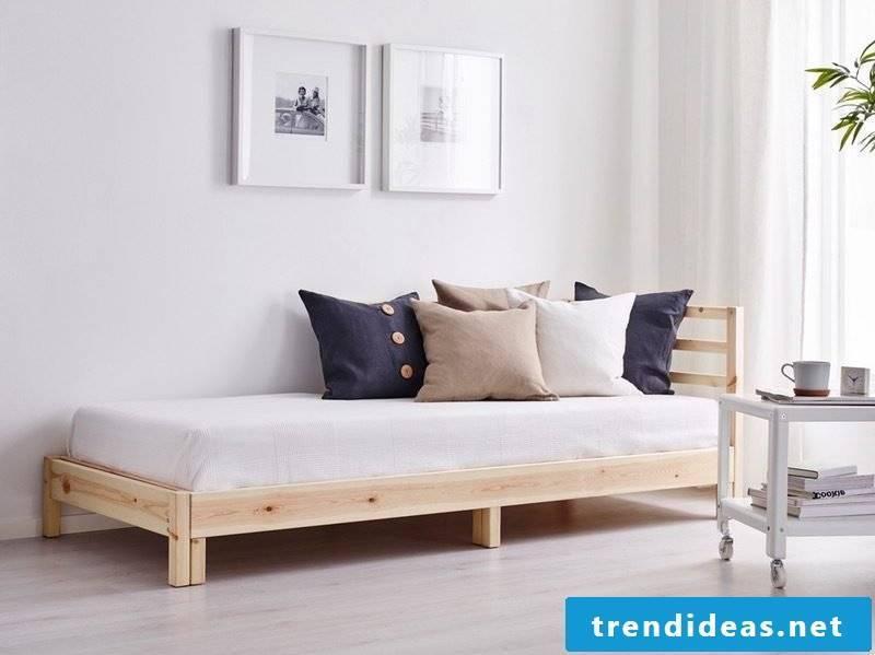 Room setup minimalist