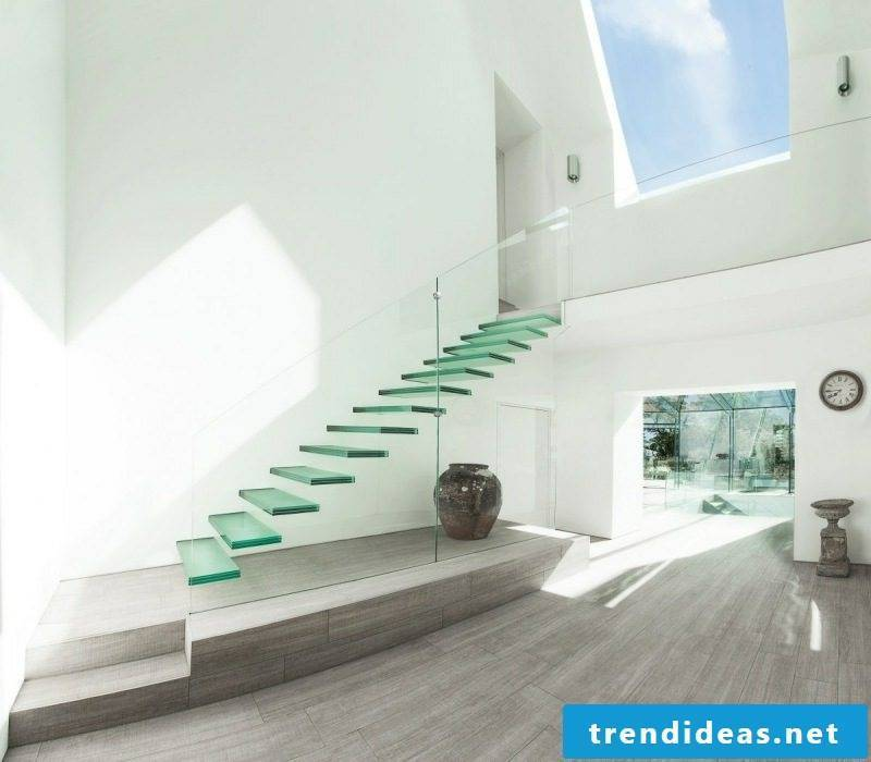 free-hanging glass staircase