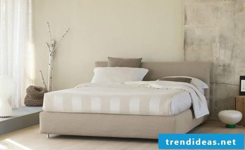 Feng Shui bedroom in light shades