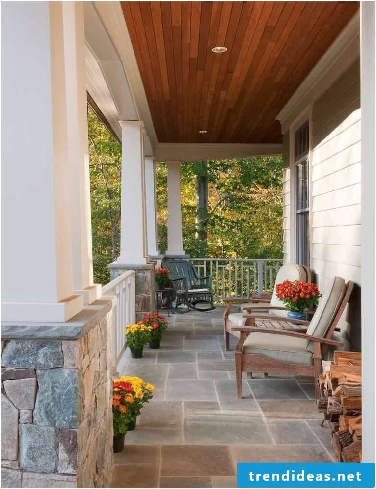Balcony covering: stone floor