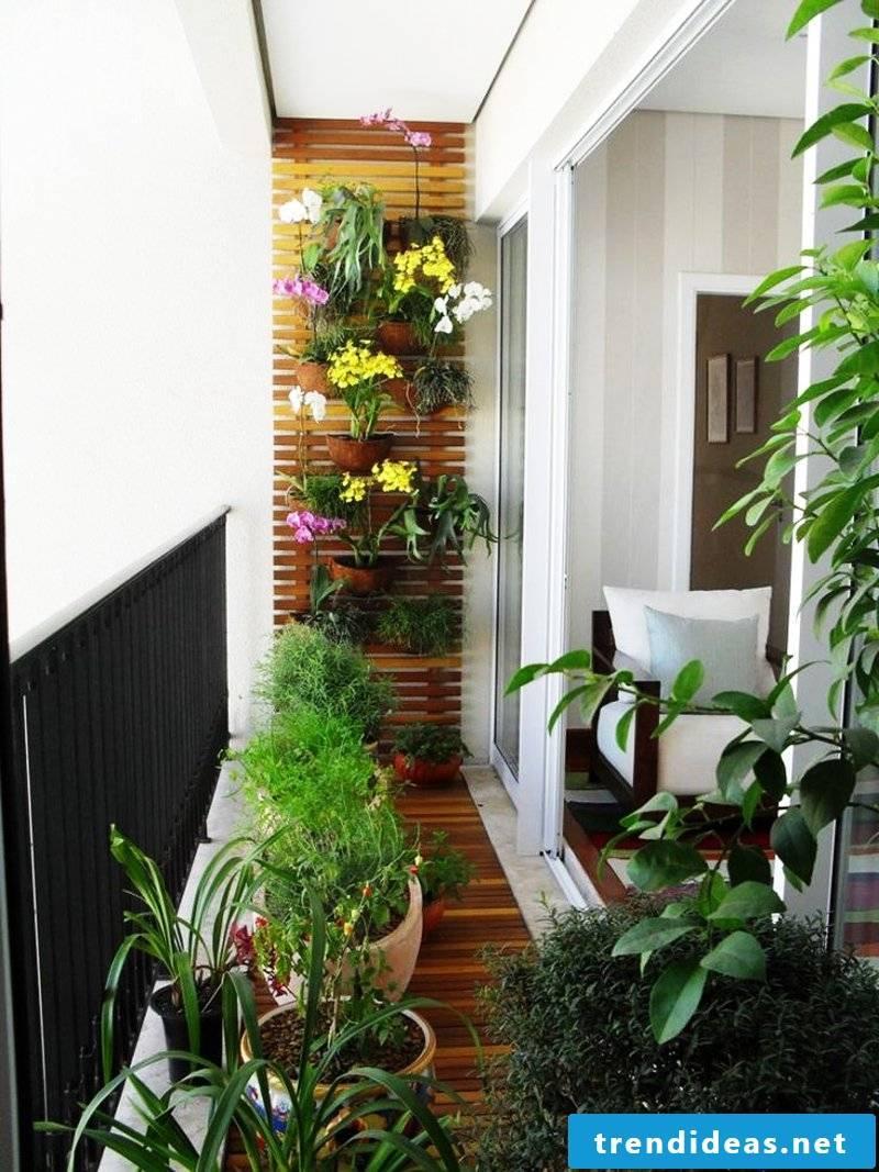 Balcony flooring harmonizes with the decoration on the balcony