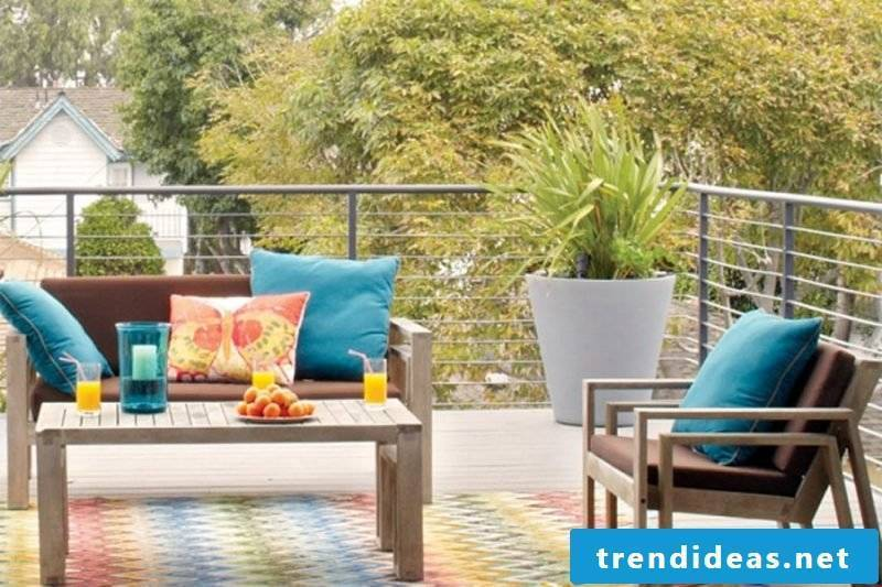 Looking for the right balcony flooring: Beautiful living outside!
