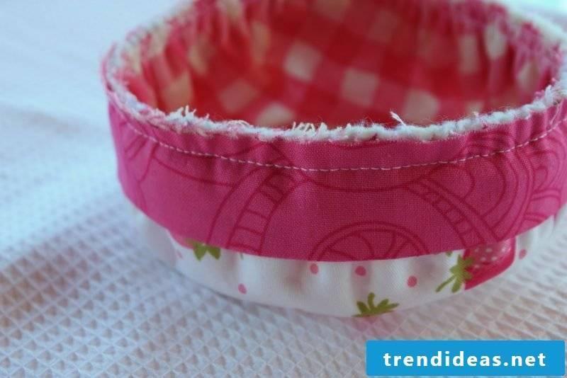 Sew a practical bread basket!