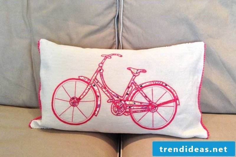 Decorative ideas for DIY pillowcases with an attractive design: Sew on the cushion cover!