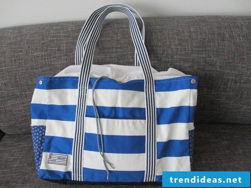 Beach bag sew white and blue stripes classic look