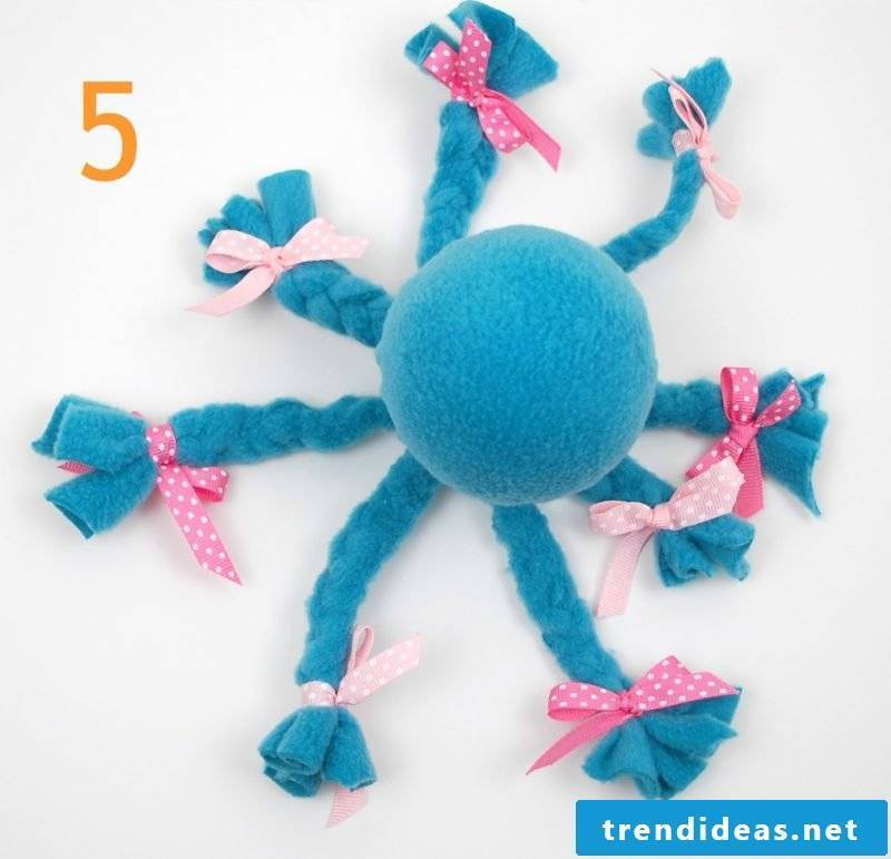 Step-by-step instructions: Make Octopus plush toy yourself