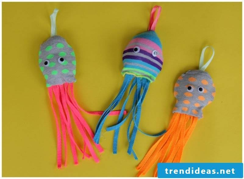 Sewing with children - cuddly toy sew yourself