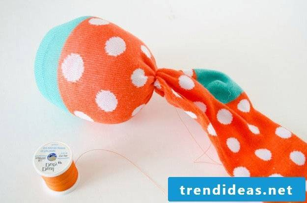 Make Octopus cuddly toy yourself - instructions