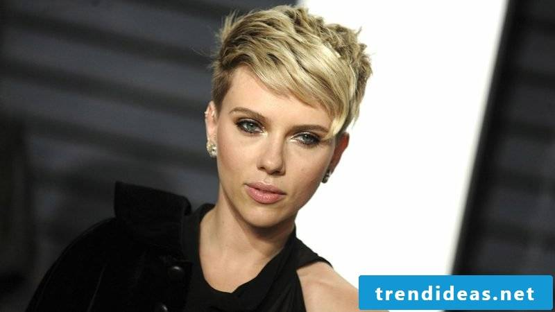 Short hairstyles women 2017 Garcon cut modern asymmetric