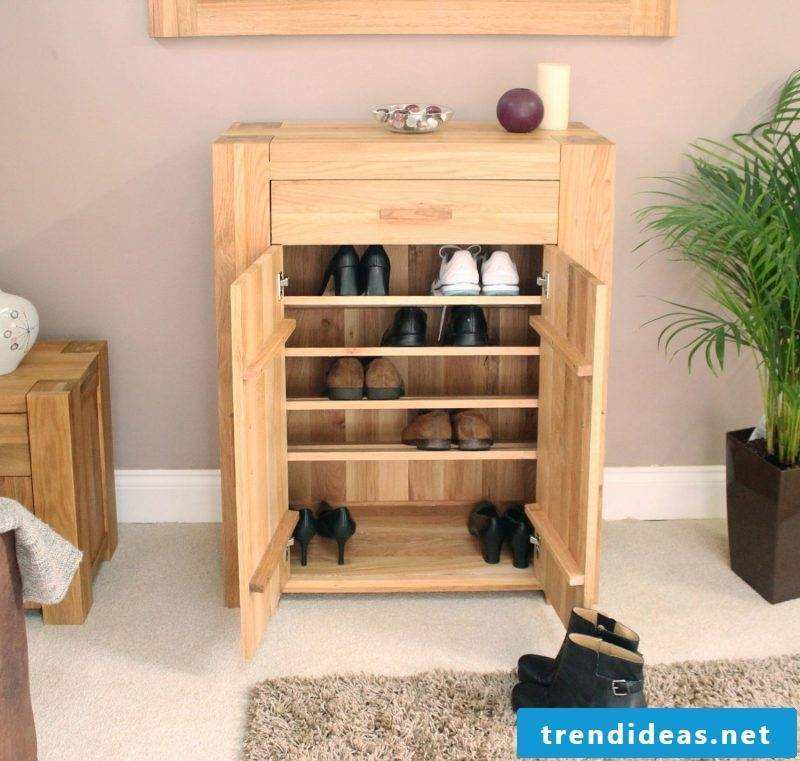 Sideboard build yourself: plenty of space for the shoes