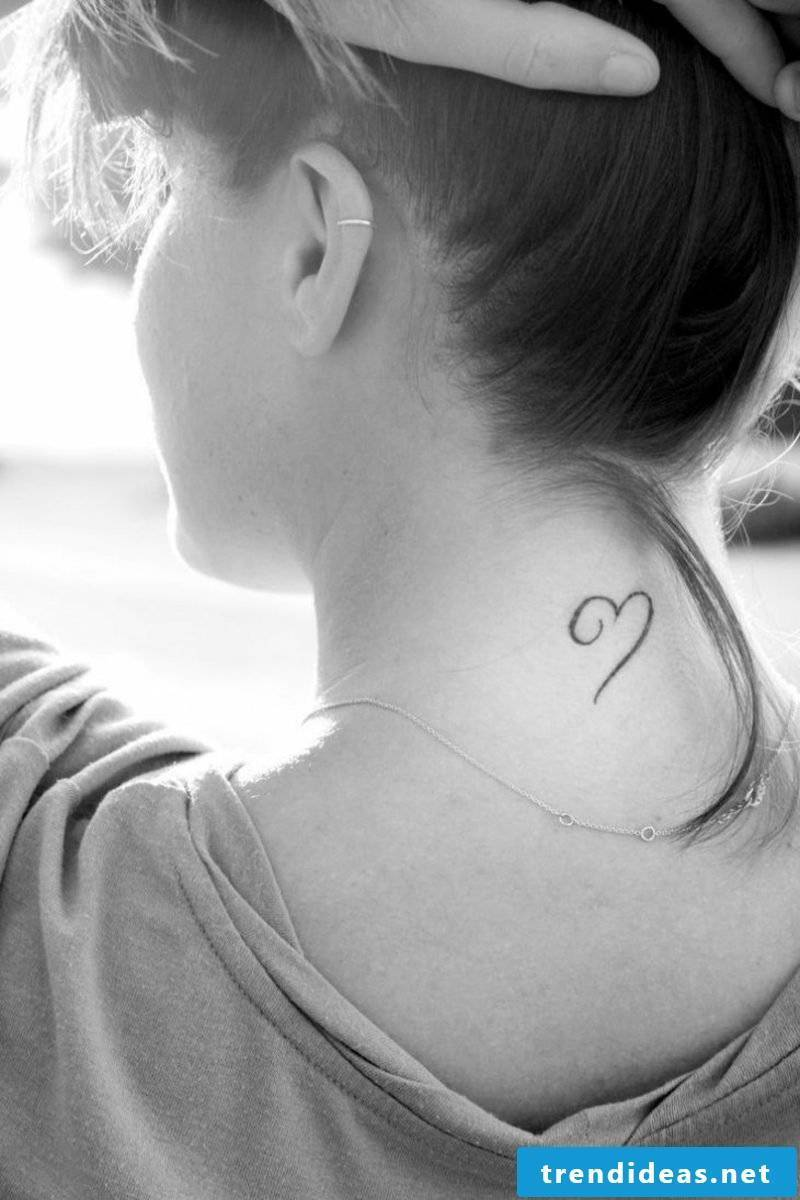 small tattoos motifs heart unfinished lines