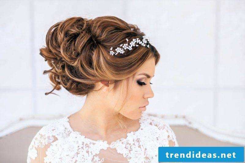 ball hairstyle tender