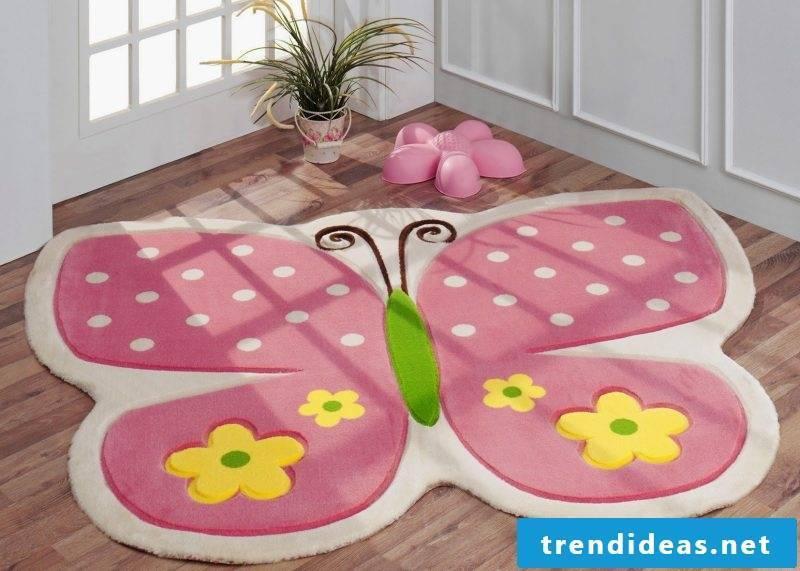 Nursery carpet in interesting shape