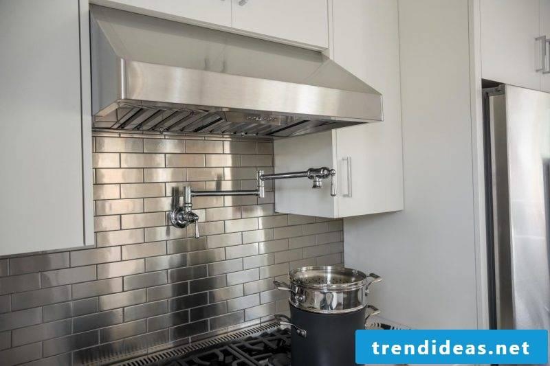 Splash guard for kitchen made of metal