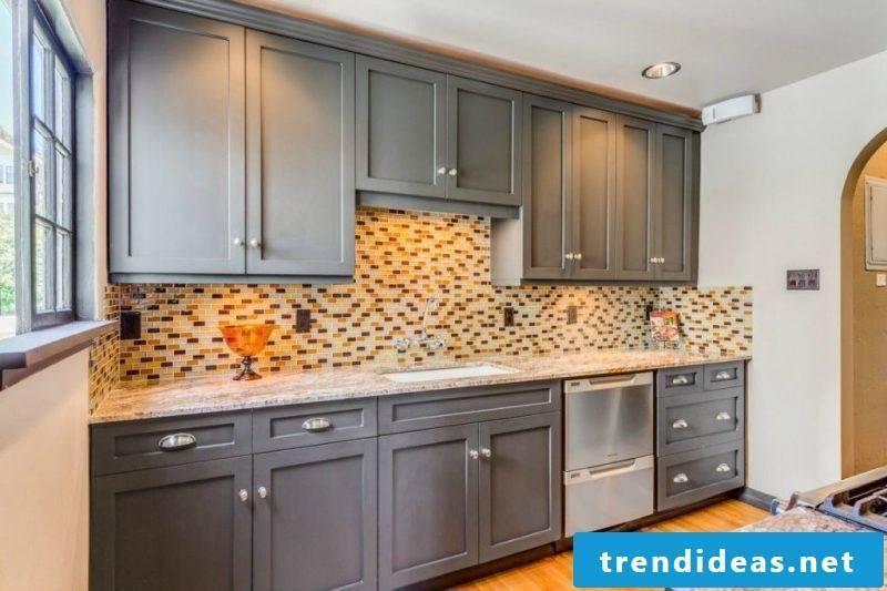 Splash guard for kitchen design
