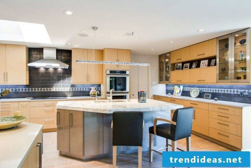 Combine two types of tile splash guard for kitchen