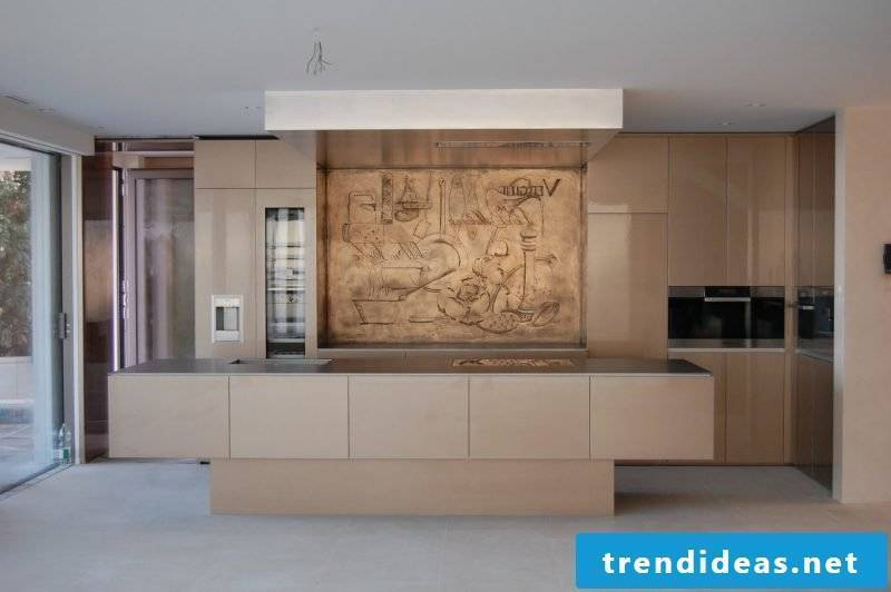 Express your individualism with wood splash guard for kitchen