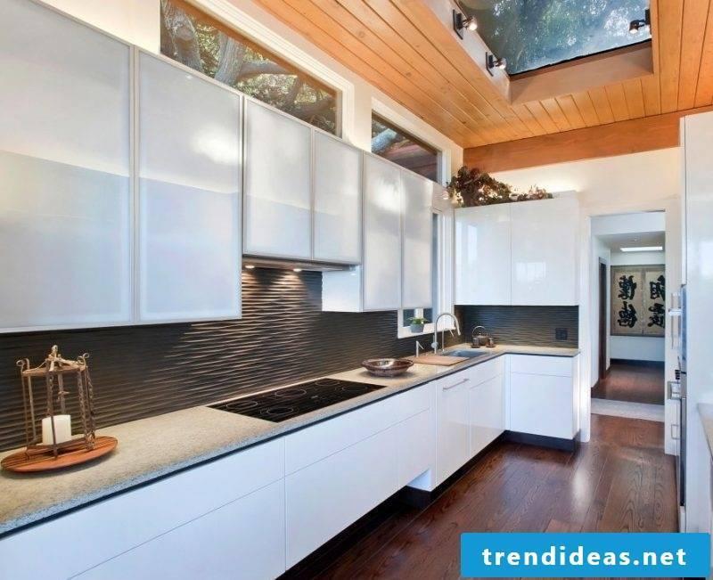 Splash guard for kitchen made of black panels