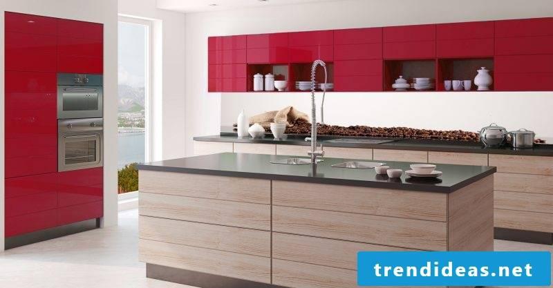 Splash guard for kitchen of glass