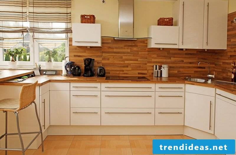 Splash guard for kitchen made of wood