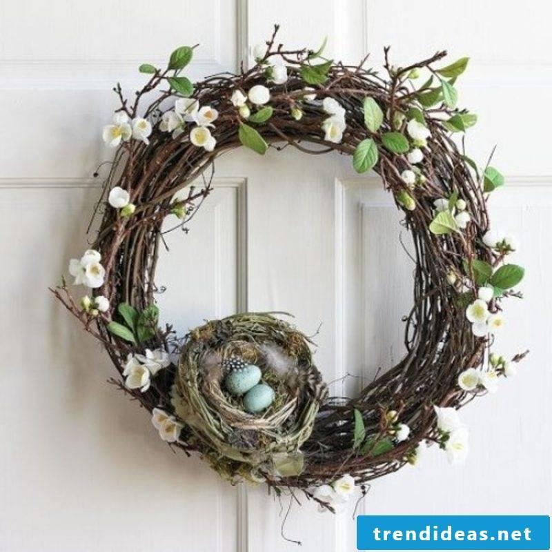 Spring wreath with bird's nest