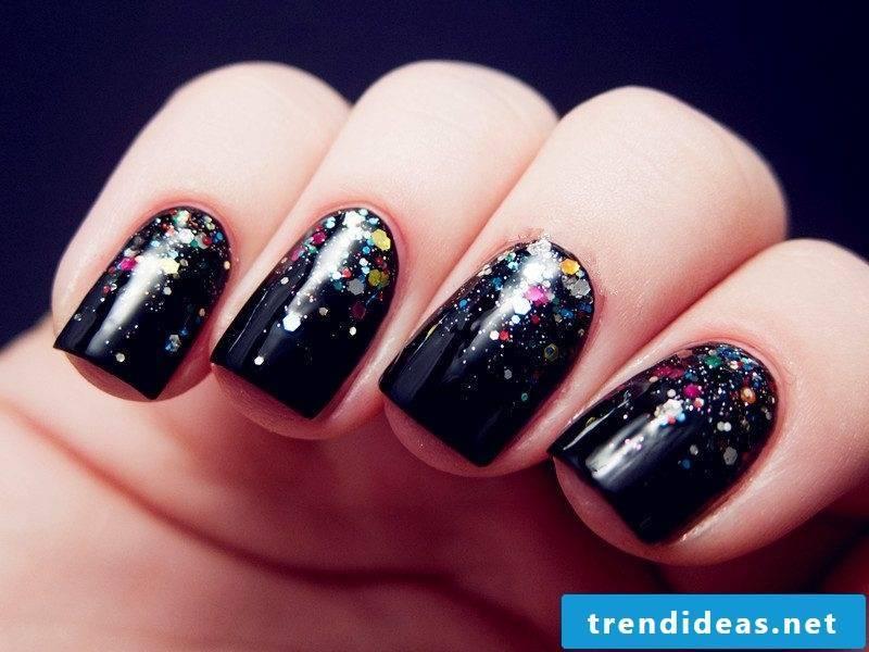 Nail art design black with glitter