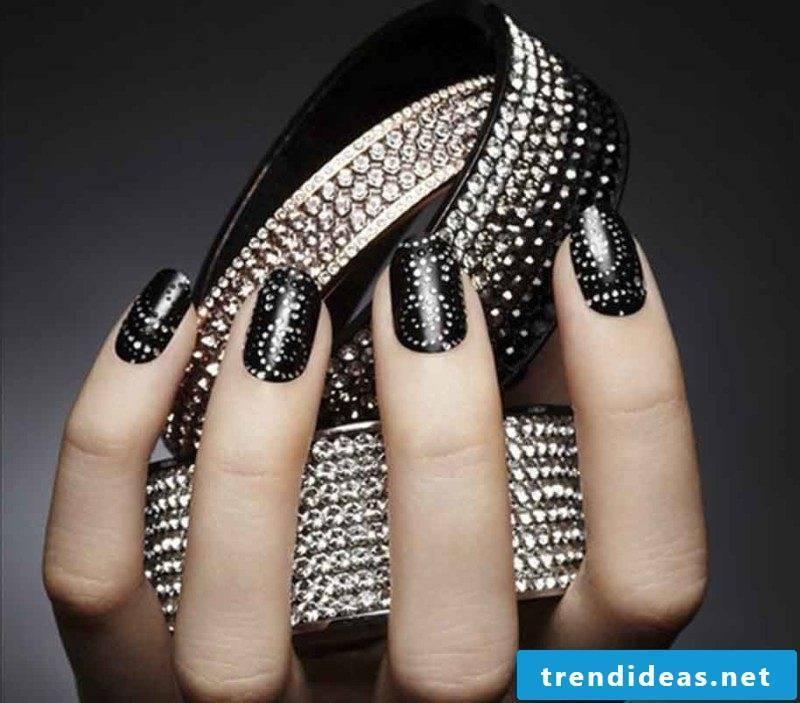 Nail art black and stones