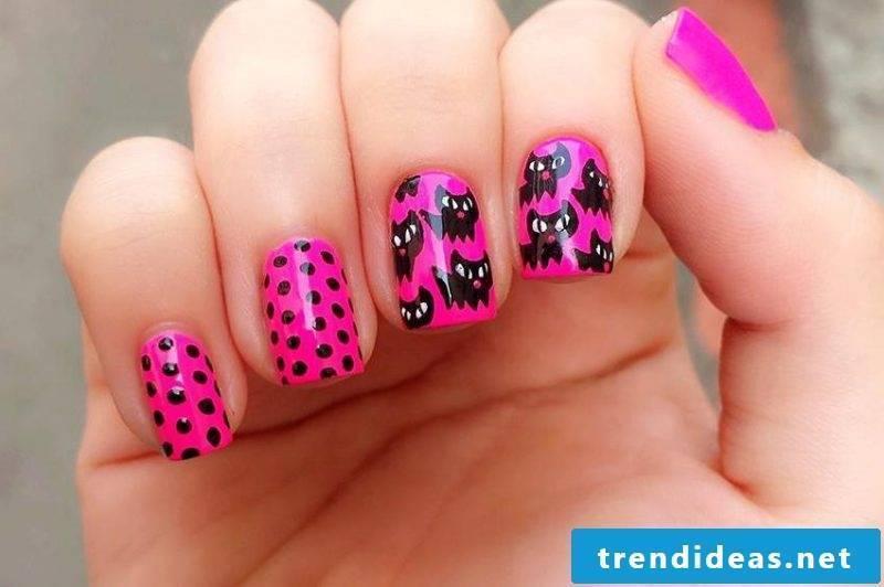 Nail art design Black Pink Halloween