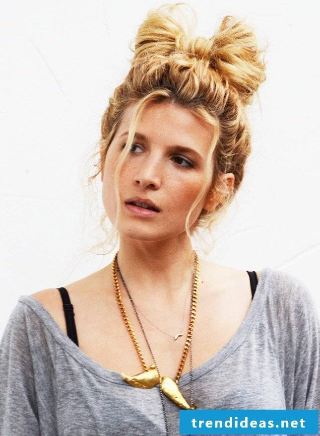 Trend hairstyles for the beach