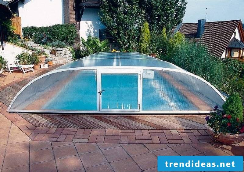 Swimming pool sliding roof