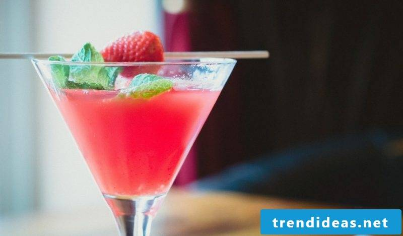 Cocktail recipes with strawberries