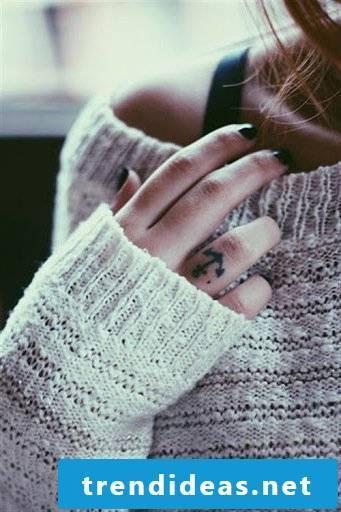 small tattoos women finger tattoo ideas women's motifs