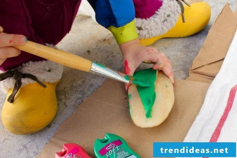 Stamp yourself make DIY decoration with potatoes instructions