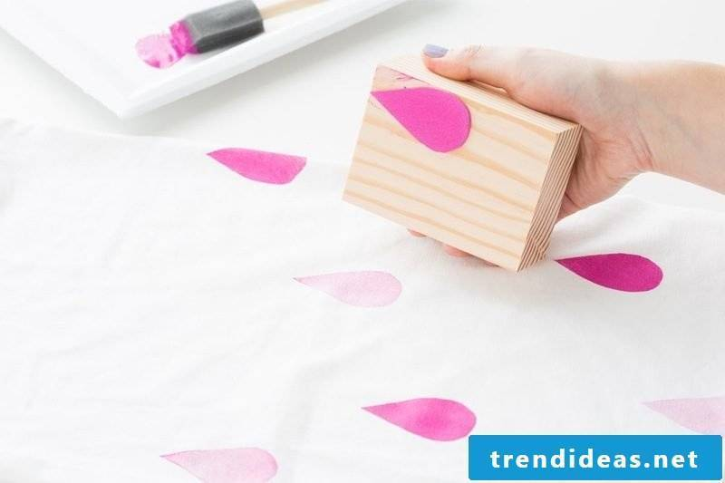 Stamp yourself make DIY instructions on fabric