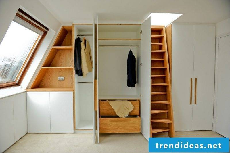 Built-in wardrobe and wardrobe roof rack
