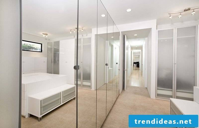 Built-in wardrobe with glass doors