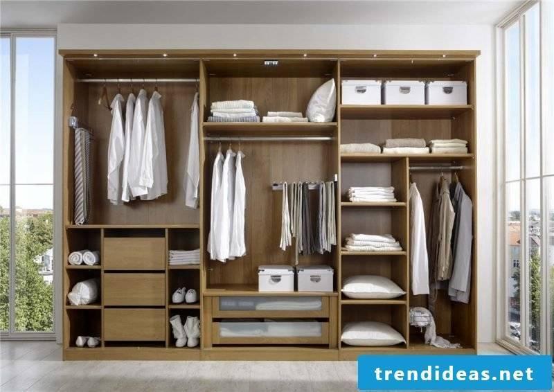Built-in wardrobe