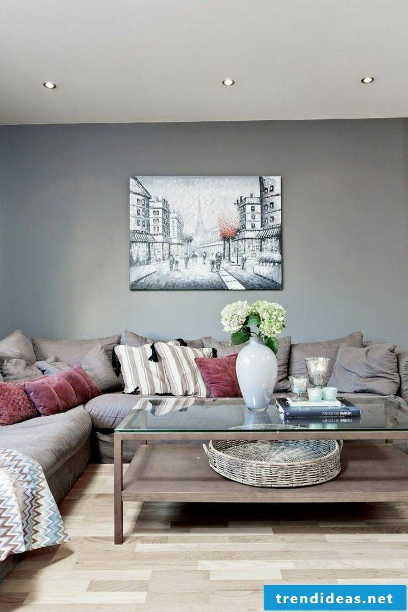 Taupe refers to a gray dark color with a tinge of color in the brown