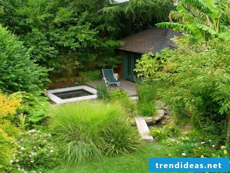 such a green Japanese garden