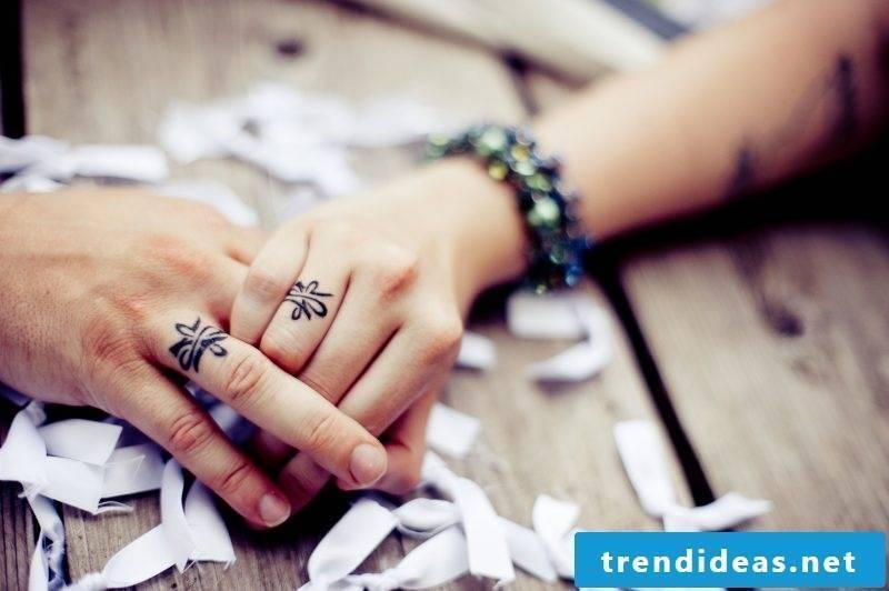 Finger Tattoo Couple Tattoos