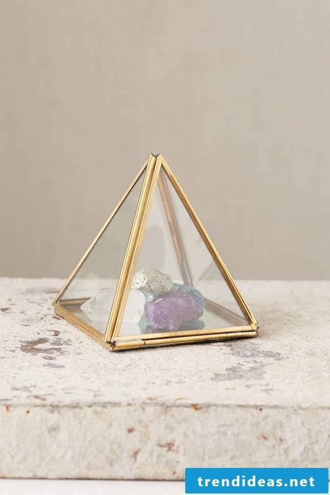 Pyramid deco figurine stone deco ideas flat decorating living room