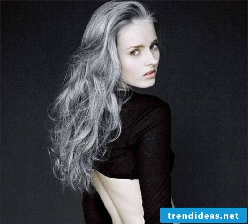 gray hair elegant look