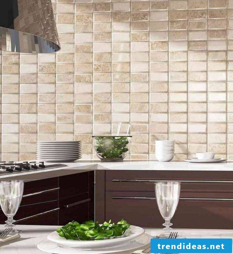 Wall panels with stone look as splash protection