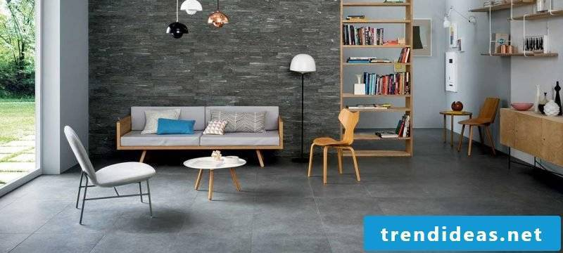 Wall panels with stone look and walls in contrasting colors