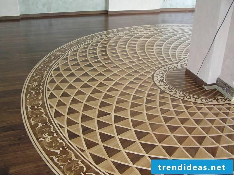 Round floor decoration with parquet