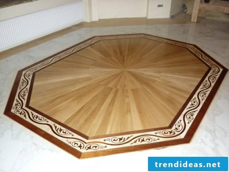 Parquet floor with a minimalist decoration