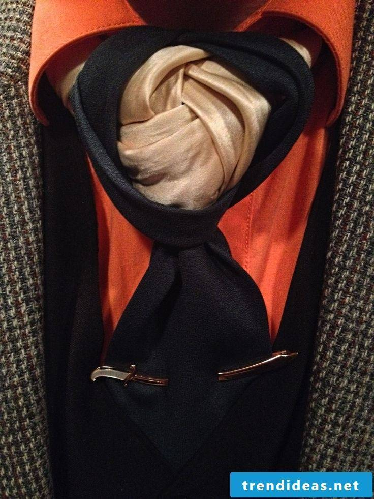 How do you tie a spectacular tie knot?