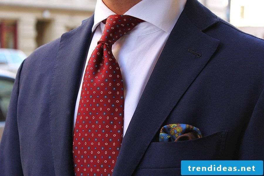 Your tie says