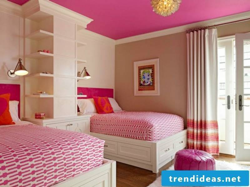 dark pink and beige in the nursery
